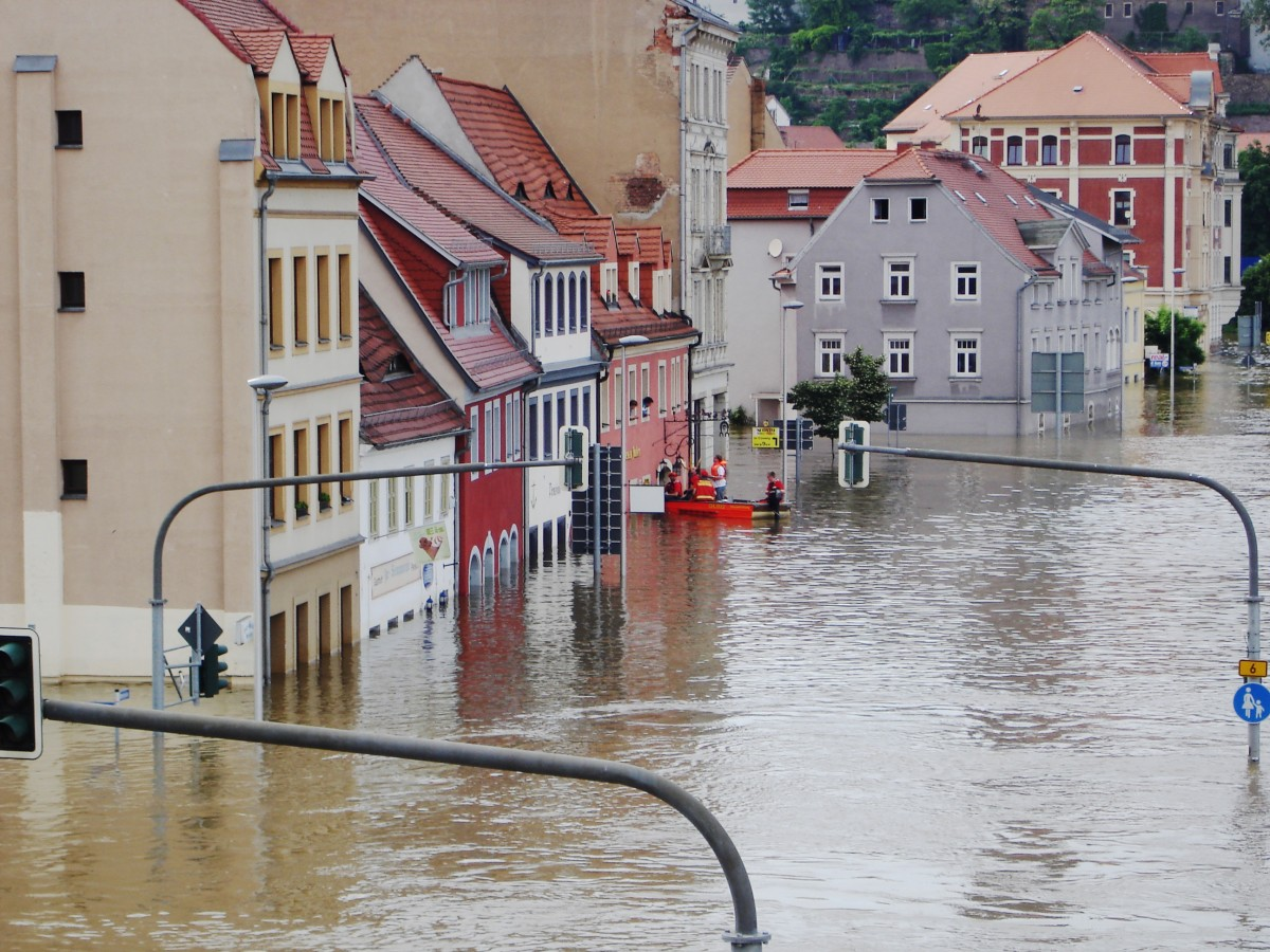 The Elbe Flooding Disasters in 2002, 2006, 2013 and the current Corona-Pandemic in regard to their severe impacts on societally disadvantaged people in Dresden city and non-urban neighbourhoods